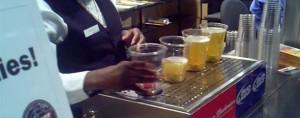 Bottoms Up Beer: Máquina que enche os copos de cerveja pelo fundo